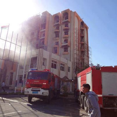 حريق بفندق مهجور الزاوية وقوع
