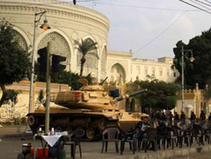 انتشار مدرعات ودبابات الجيش المصري