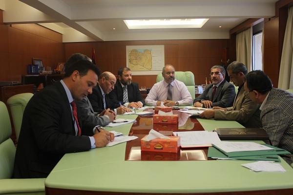 وزير المواصلات ميناء طرابلس سيظهر