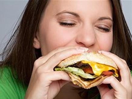 تأخير وجبة الغذاء يقلل إنقاص