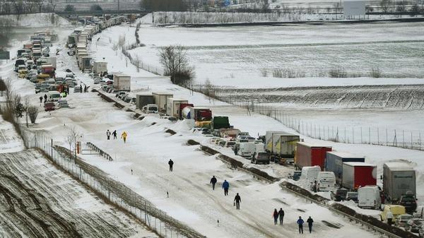 قرية العالم المجر بسبب تساقط