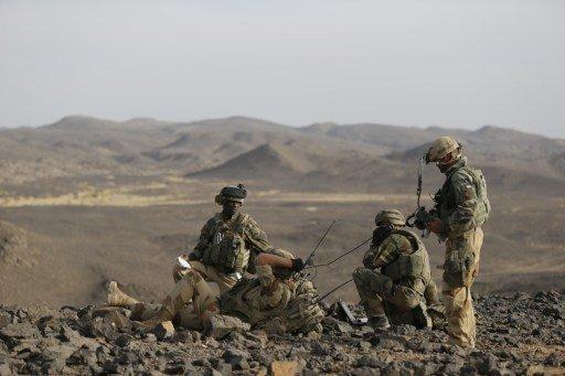 فرنسا بصدد قواتها مالي