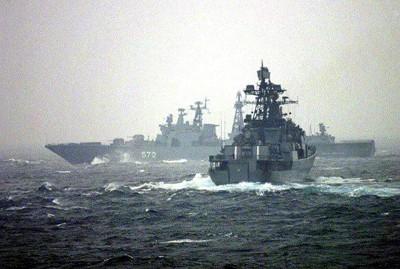 مجموعة السفن الحربية الروسية تدخل