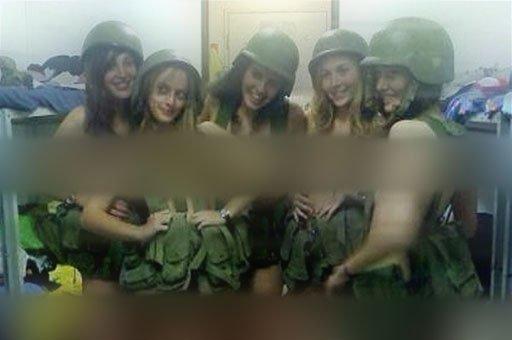 توبيخ لمجندات اسرائيليات نشرهن صورا
