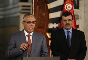 """زيدان يدعو """"النازحين"""" الليبيين تونس"""
