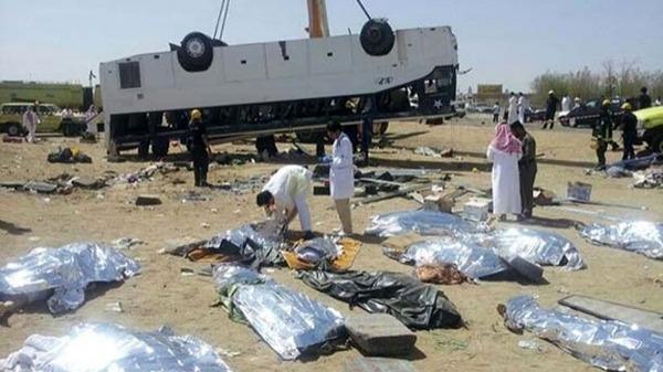 مصرع معتمراً أردنياً بانقلاب حافلة