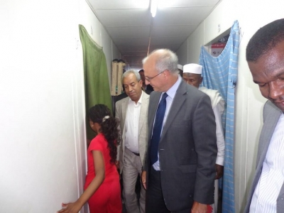 السفير البريطانى ليبيا يزور مخيم