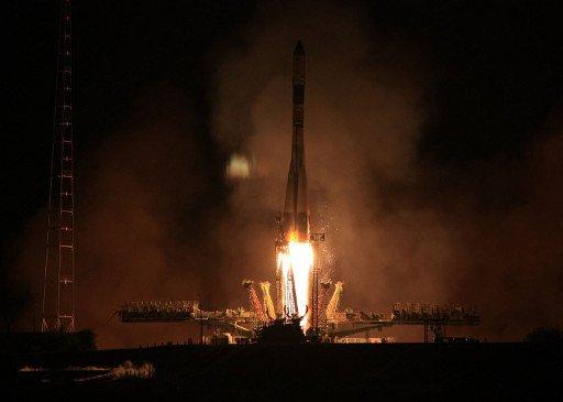 مركبة فضائية روسية تلتحم بالمحطة