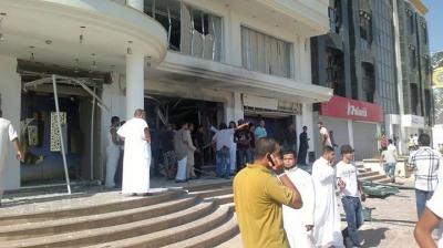 اصابة لبيع الالبسة بصاروخ بنغازي